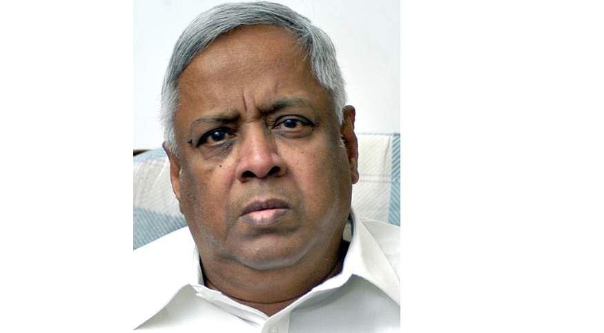 Former_Minister