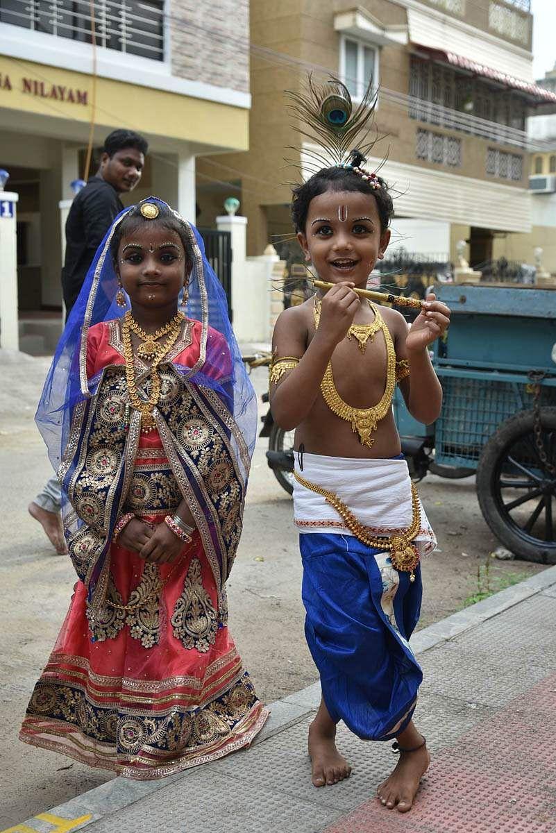 மகா விஷ்ணுவின் எட்டாவது அவதாரம் கிருஷ்ணாவதாரம். அதுவே கிருஷ்ண ஜெயந்தி பண்டிகையாக நாடு முழுவதும் கொண்டாடப்பட்டு வருகிறது.