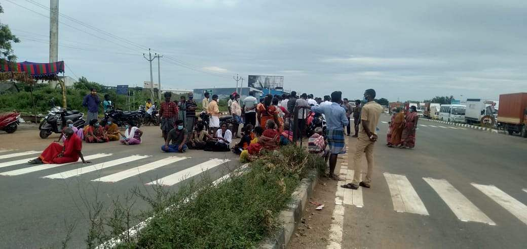 people protest in sriperumputhur