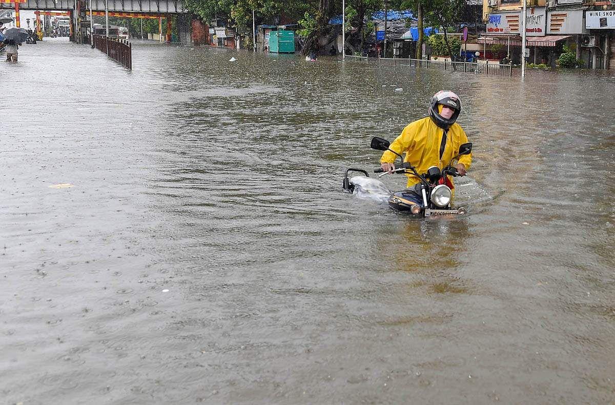 Mumbai-Rains-15