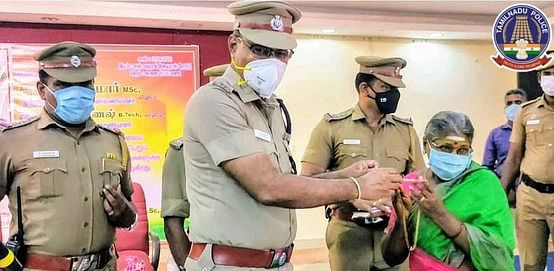 Handing over of gold jewelery recovered in case of theft to the rightful owner