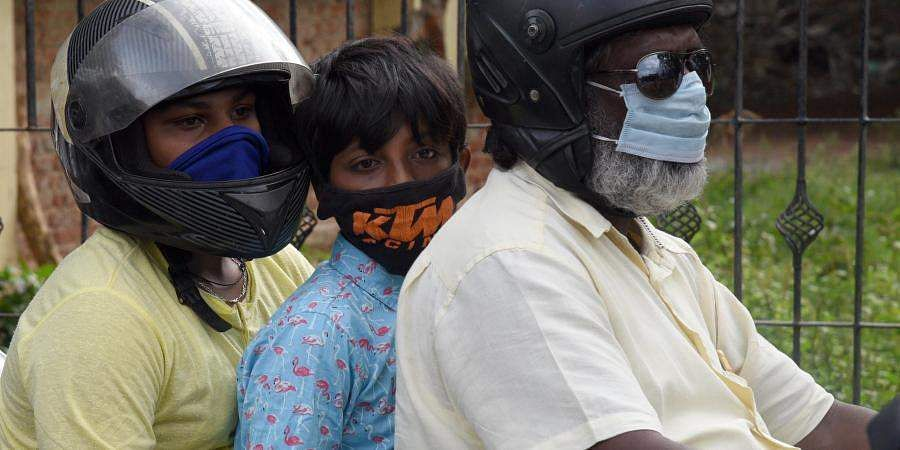 Petrol and diesel should not be provided to non-masked persons in Cuddalore: Collector  order
