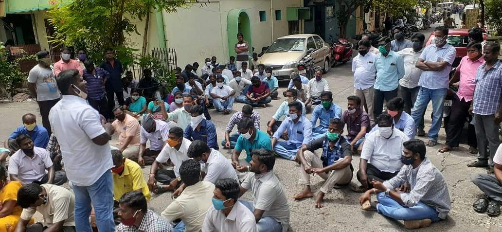 Public servants arrested for trying to blockade Chief Minister's house in Pondicherry