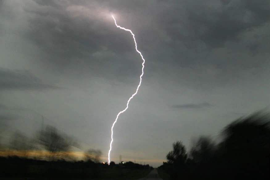 3-killed-in-lightning-strike-in-jharkhand