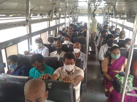 3tpt_social_distancing_missing_in_apsrtc_buses_0209chn_193_1