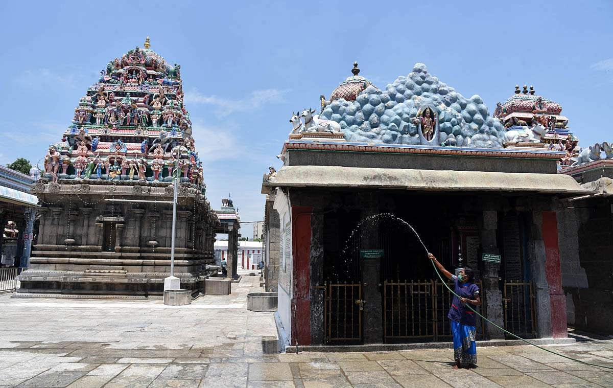 Why shouldnt the temple trustee release the details? High Court