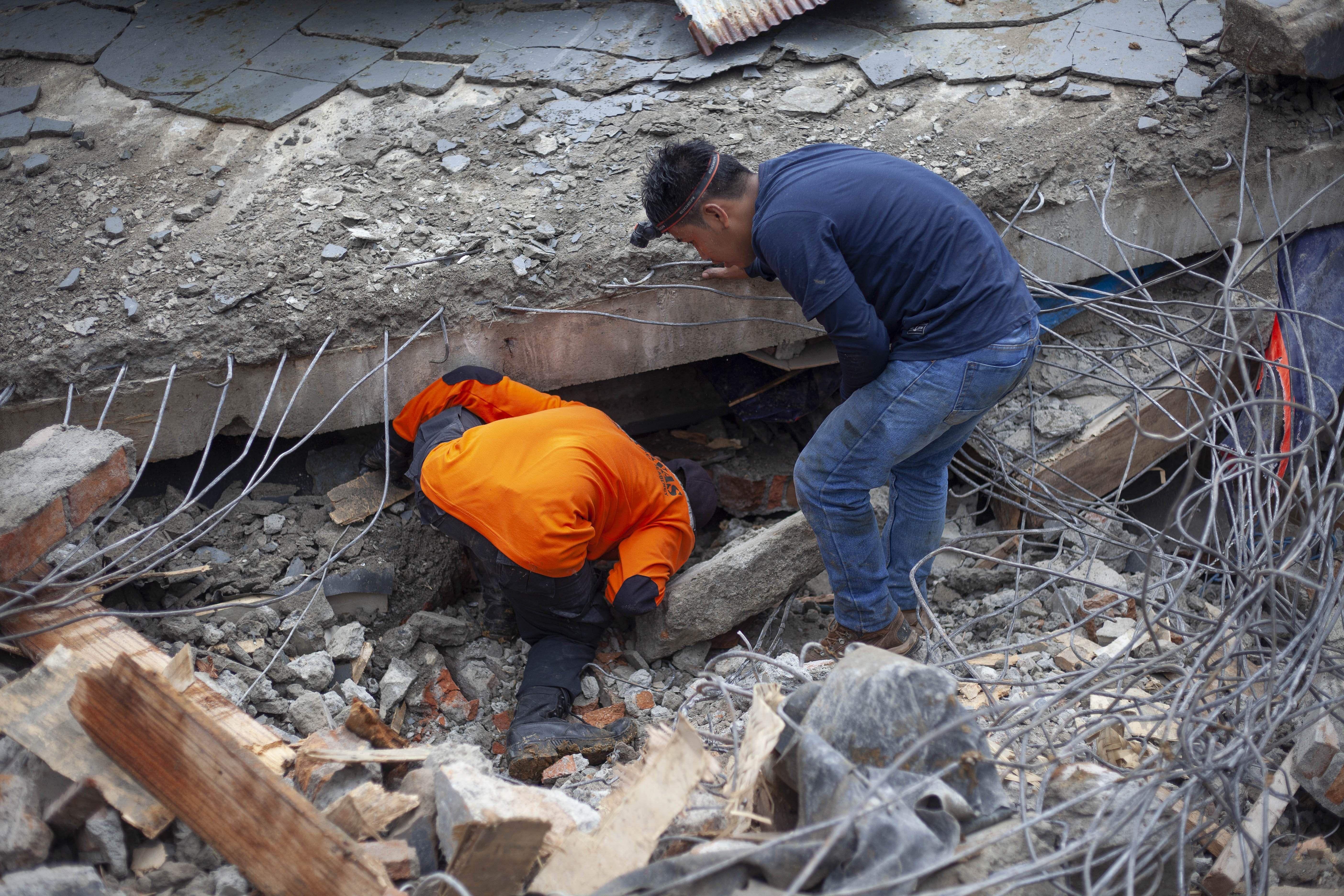 Indonesia quake death toll rises to 42