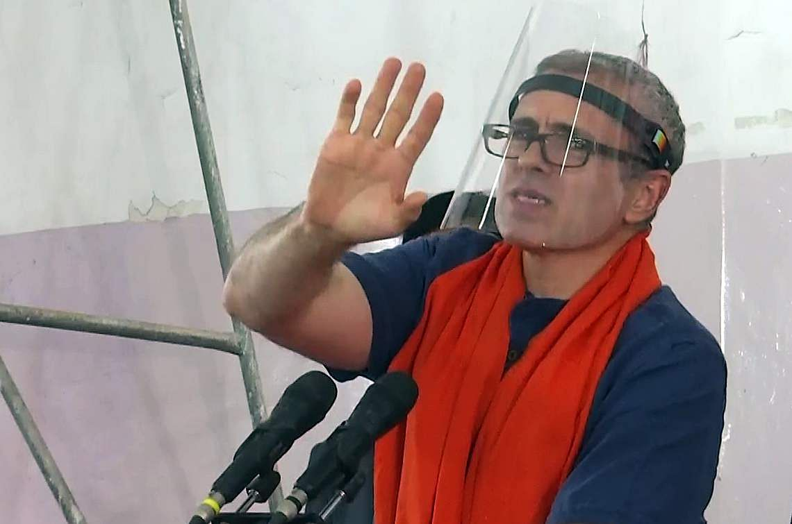 corona-vaccine-does-not-belong-to-any-political-party-omar-abdullah