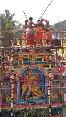 செங்கல்பட்டு அங்காள பரமேஸ்வரி அம்மன் கோயிலில் நடைபெற்ற மகா கும்பாபிஷேகம்.