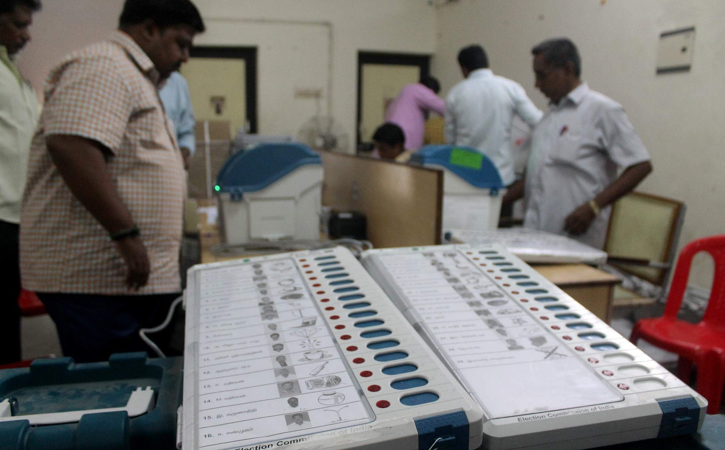 How can Indian voters living abroad vote?
