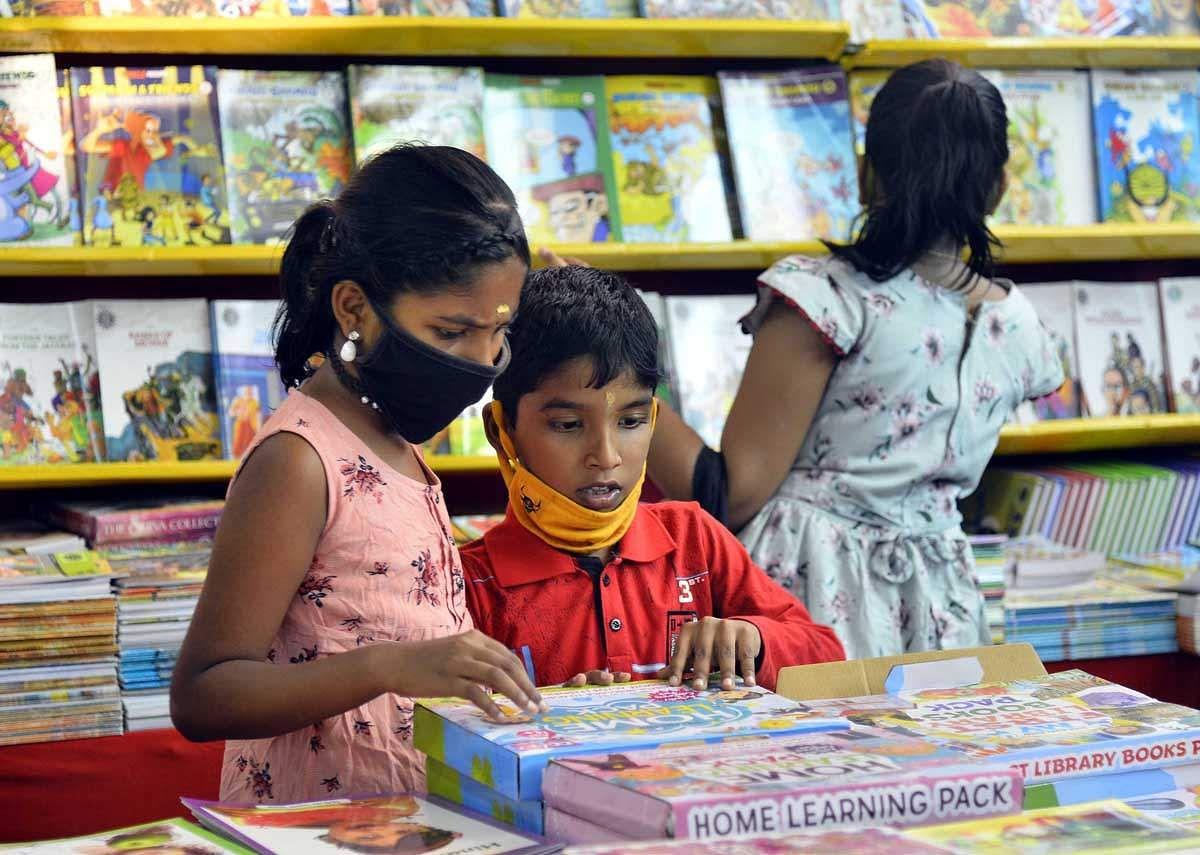 Book-Fair-10