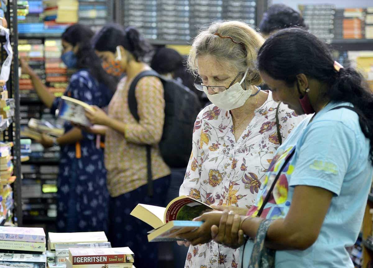 Book-Fair-8