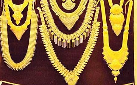 Gold in Chennai sells for Rs. 33,728 a razor