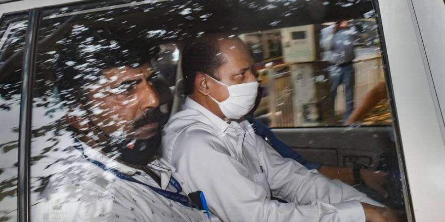 Sachin Tendulkar smashes 5 of his 13 mobile phones