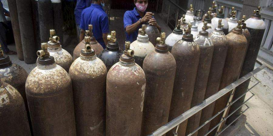 oxygen_cylinders_PTI901