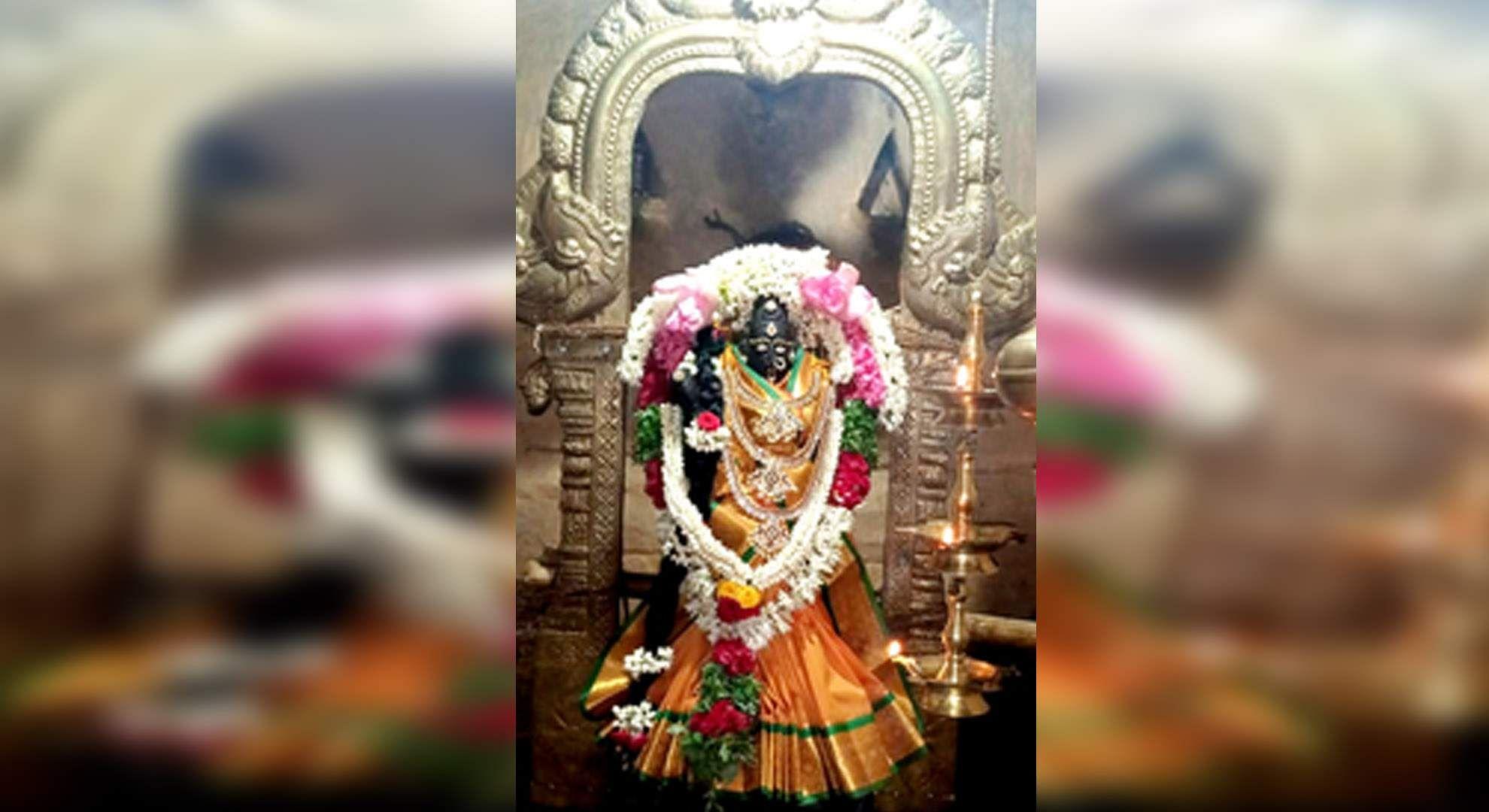 Special Puja for Meenakshi Goddess near Usilampatti