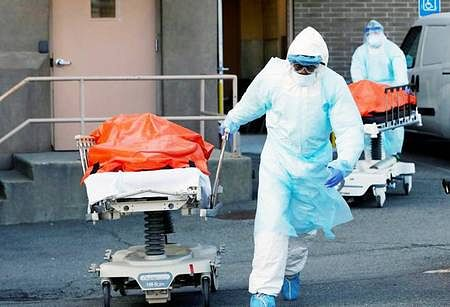 corona-infection-kills-303-doctors-in-indonesia