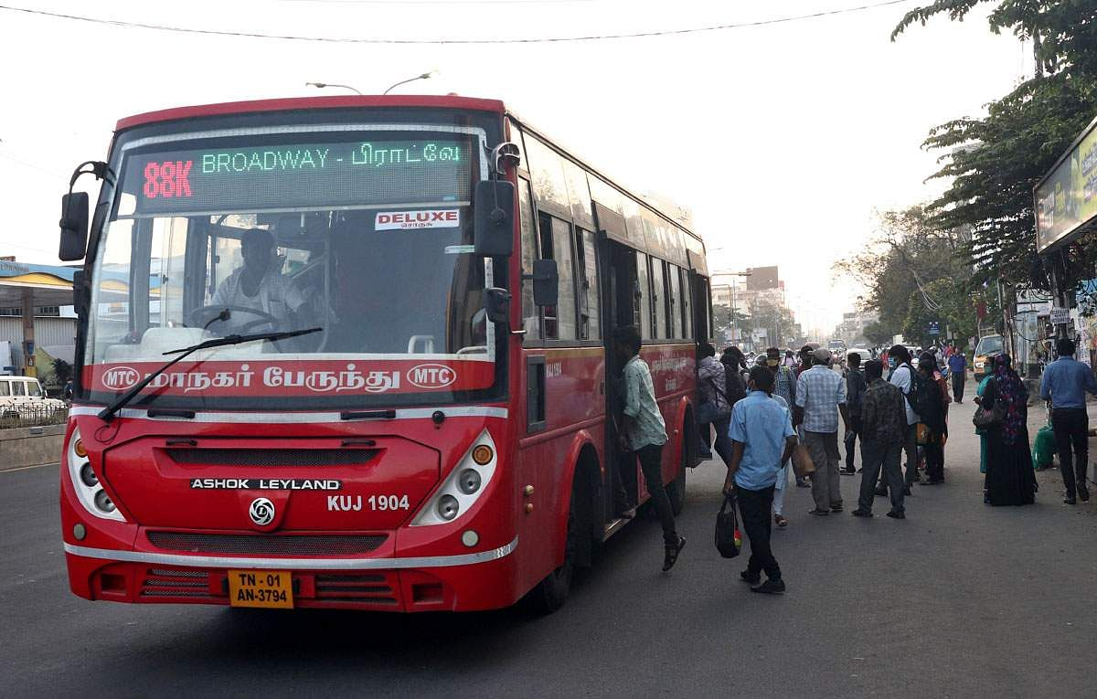 An additional 400 government buses operate in Chennai