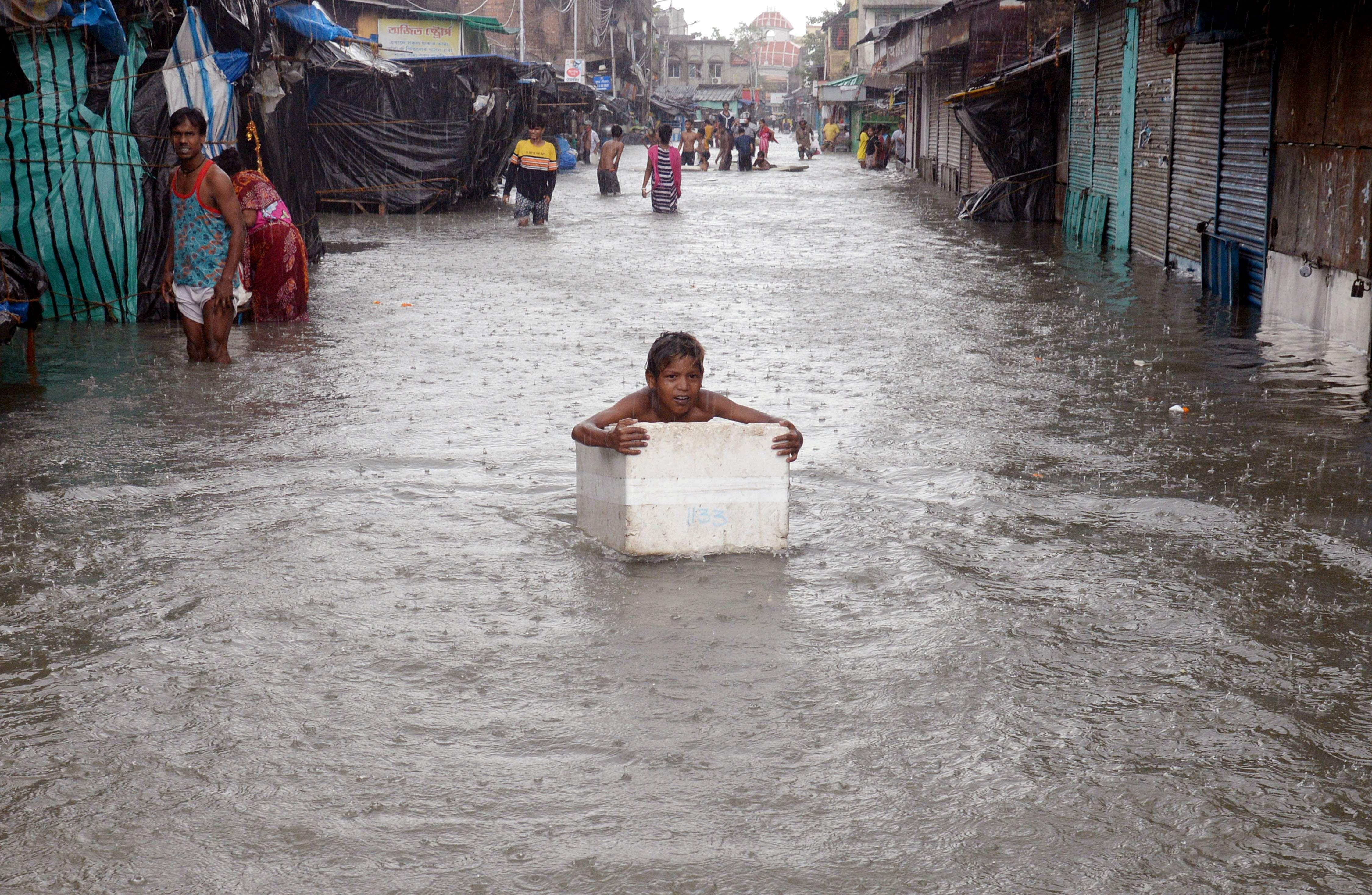 odisha-west-bengal-pm-to-inspect-storm-damage-tomorrow