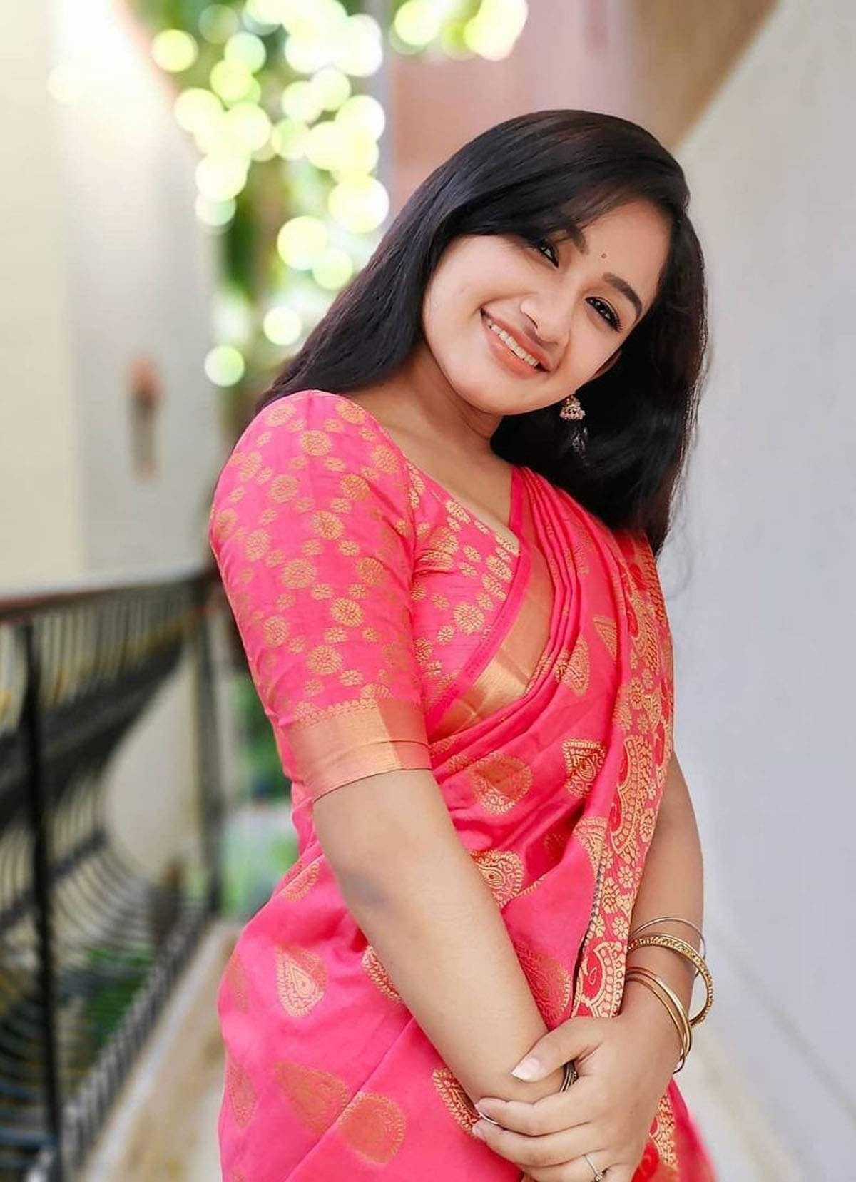 raveena_daha-14