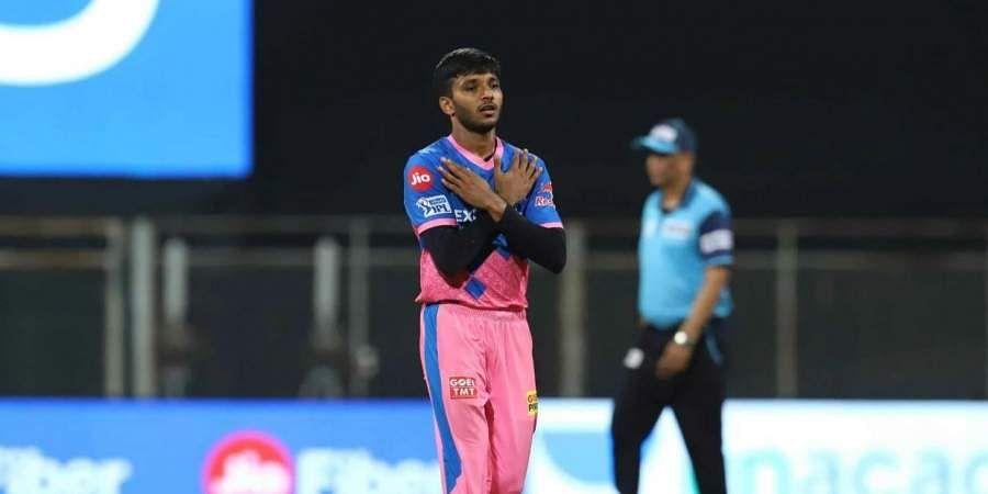 Pace bowler Sakariya loses father to Covid 19