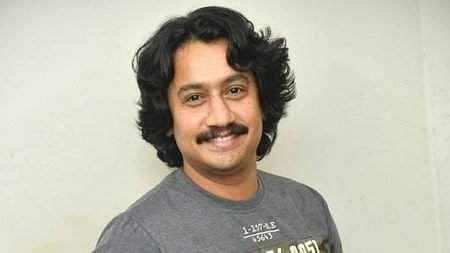 நடிகா் சஞ்சாரி விஜய்.