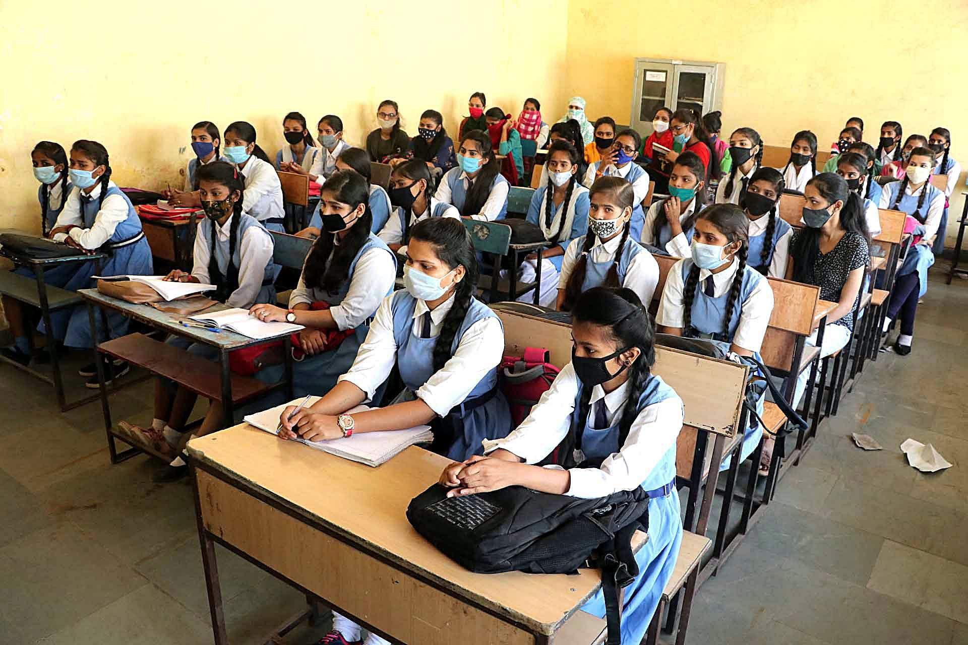 Maha: Schools reopen in Aurangabad, 2 teachers test +ve