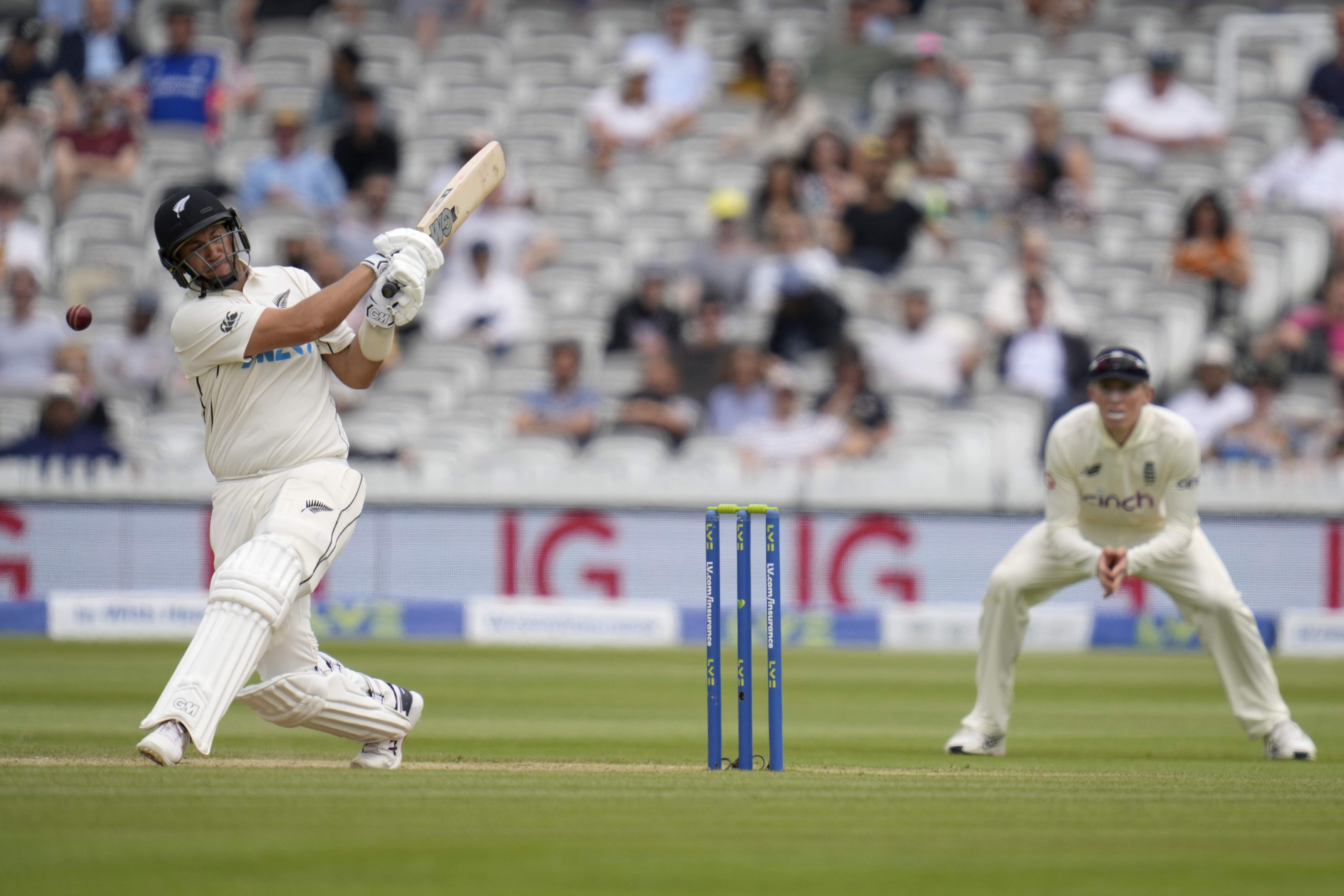 New Zealand set England 273 in 75 overs to win first Test