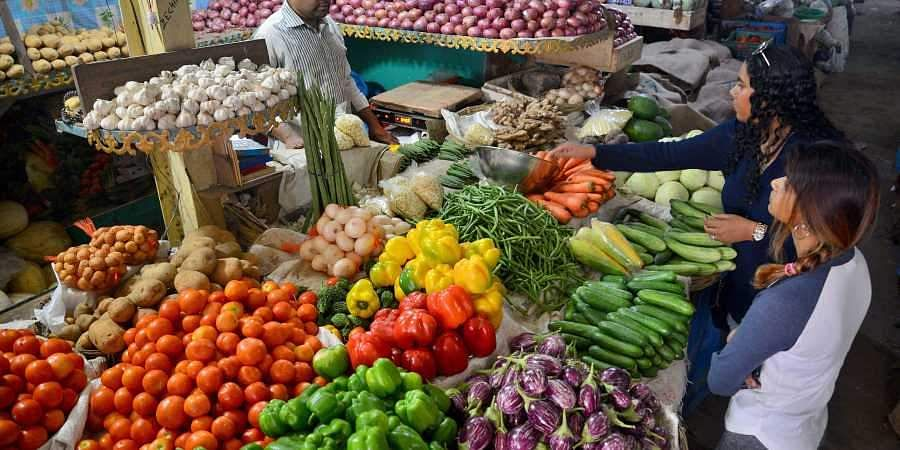 What is the sale time of trolley shops ?: Information in the order of the Government of Tamil Nadu