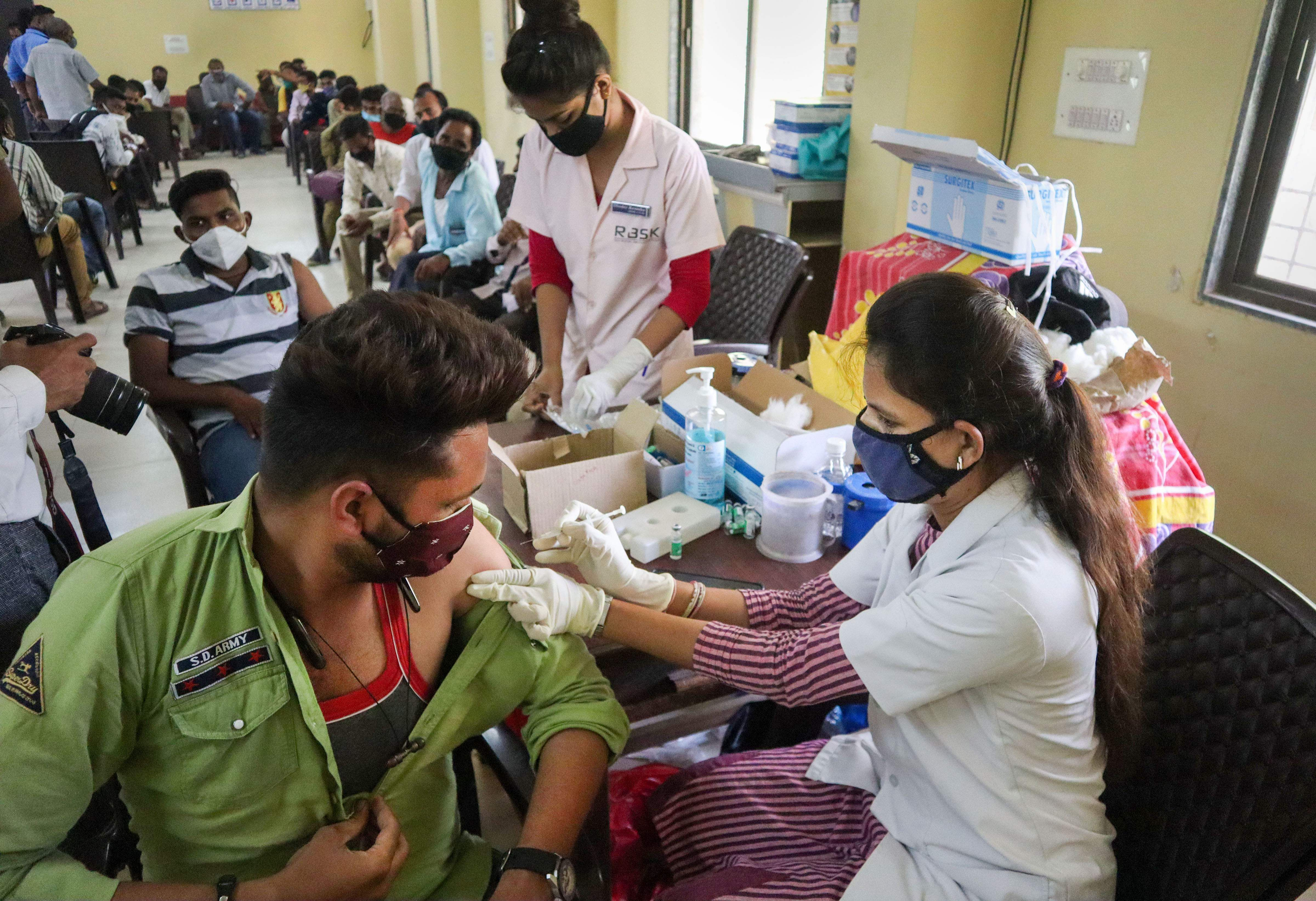 23 crore is the number of people who have been vaccinated in the past