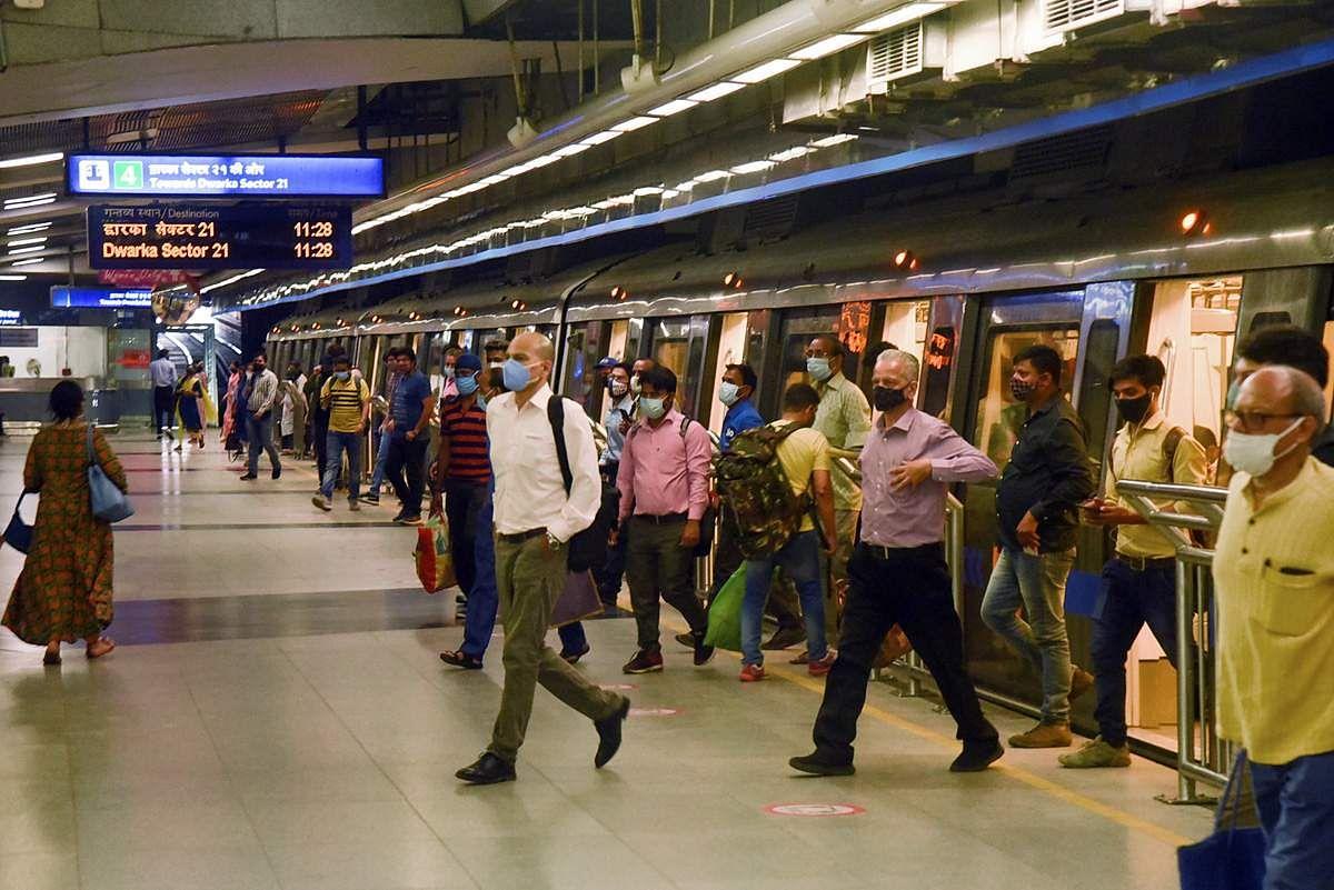 Delhi-Metro-Train-7