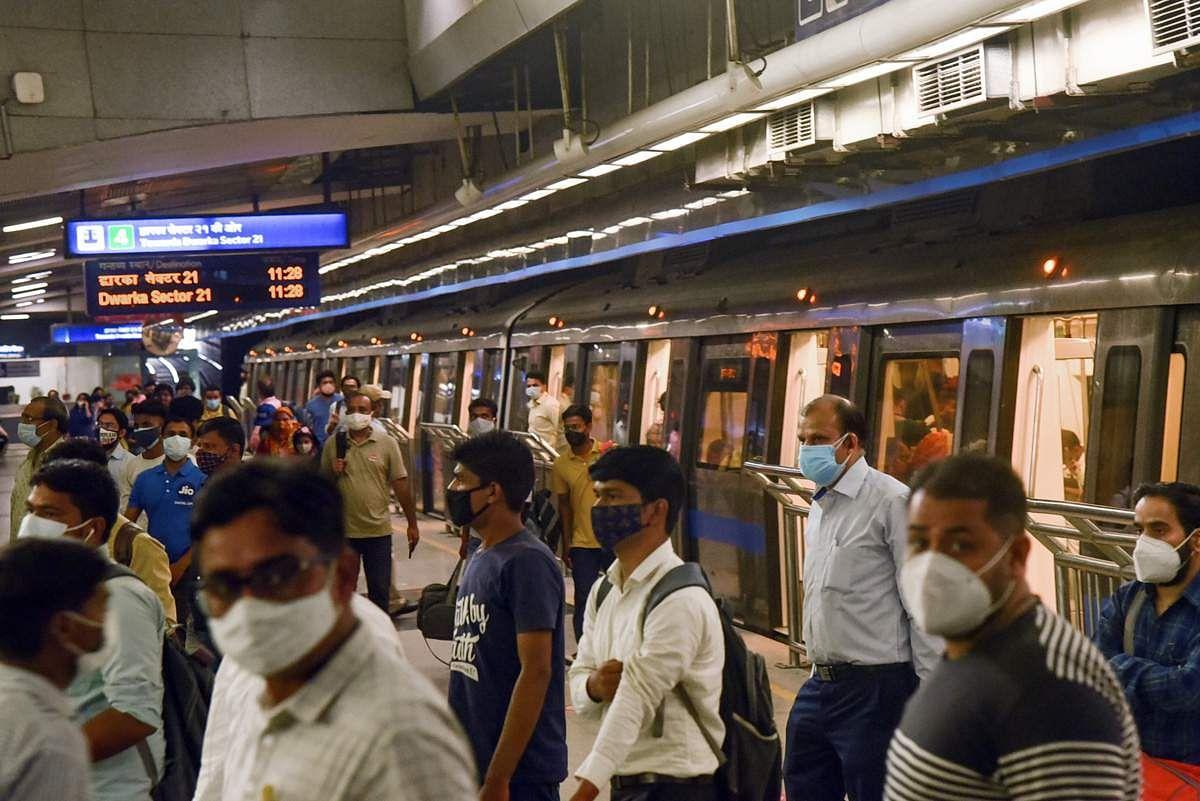 Delhi-Metro-Train-8