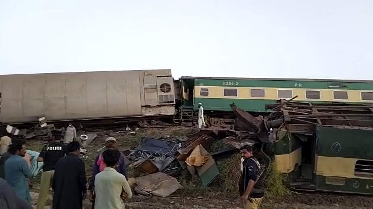 Train_accident-5