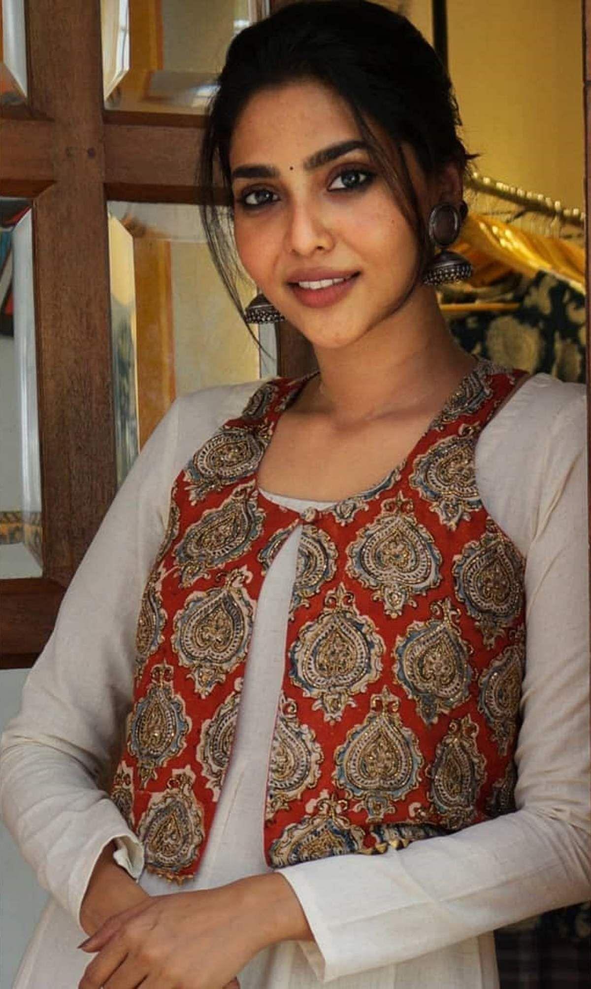 Aishwarya_Lekshmi-11