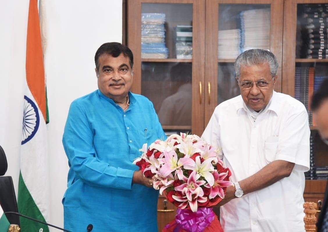 kerala-chief-minister-meets-union-minister-nitin-gadkari