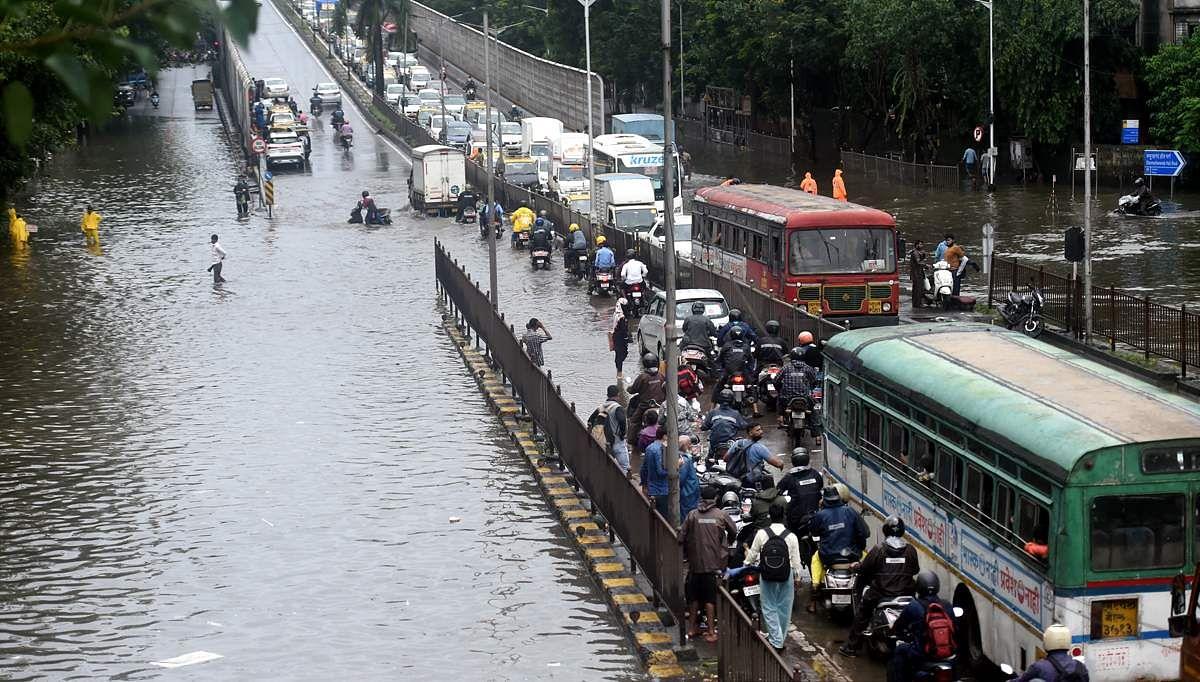 Mumbai-_Rains-3